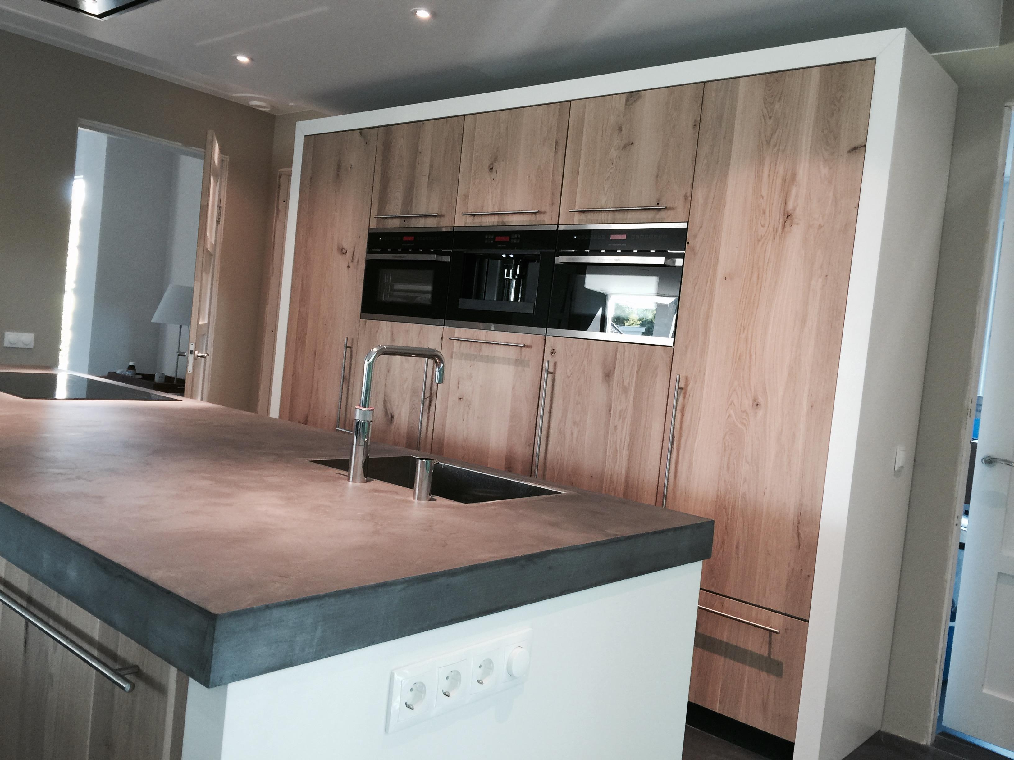 Wit Stoere Keuken : Maatwerk keuken beekbergen